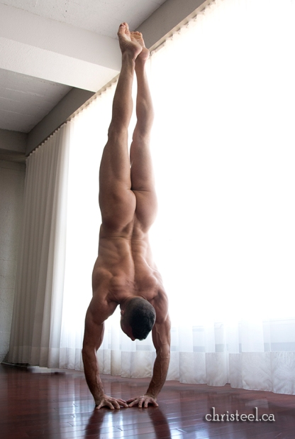 Blu Nathan - I Am Silks - Diamond Handstand