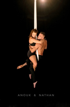 anouk-nathan-aerial-silks-duo-hug